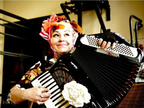 submitted-photo-of-accordion-player-ana-bon-bon-png-merlin